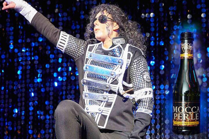 """Auferstanden - auch """"Michael Jackson"""" rockte bei der ersten """"Nacht der Mocca Perle""""."""