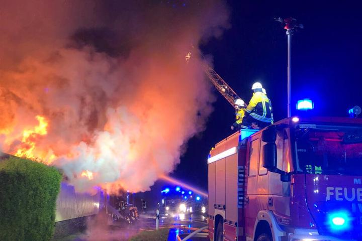 Insgesamt fünf Stunden waren die 85 Feuerwehr-Leute im Einsatz.