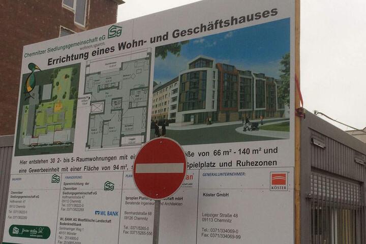 Auf der Baustelle soll ein Wohn- und Geschäftshaus entstehen.