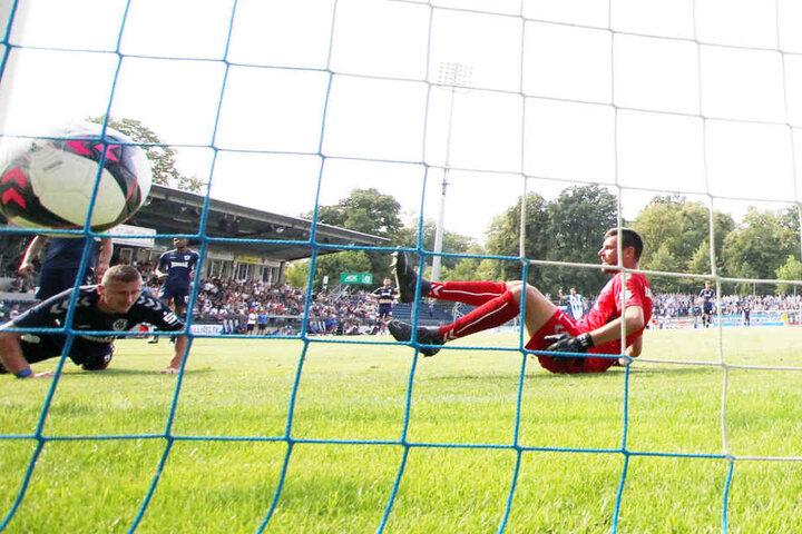 Der Ball ist im Netz der Babelsberger. Der CFC hat im dritten Spiel den dritten Sieg erkämpft. Foto: p.p./Sven Sonntag