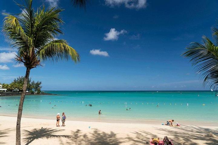Das Urlaubsparaddies Mauritius liegt rund 870 Kilometer östlich von Madagaskar im Indischen Ozean.