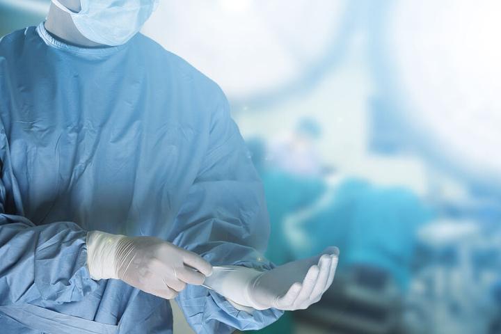 Der Tod einer Patientin im Anschluss an eine Schönheitsoperation ist nicht der erste Todesfall in der Klinik. (Symbolbild)