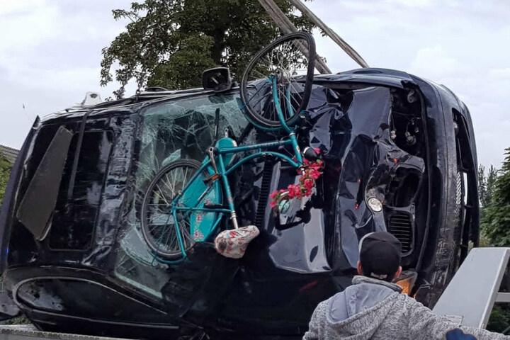 Der BMW nahm auch einige Fahrräder mit.