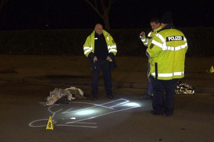 Der 45-jährige Mopedfahrer erlitt lebensbedrohliche Verletzungen.