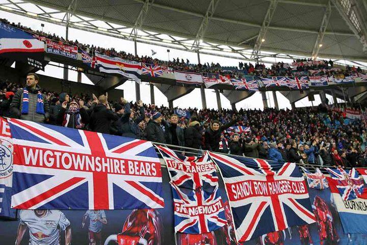 Tausende Fans begleiteten die Rangers nach Leipzig.
