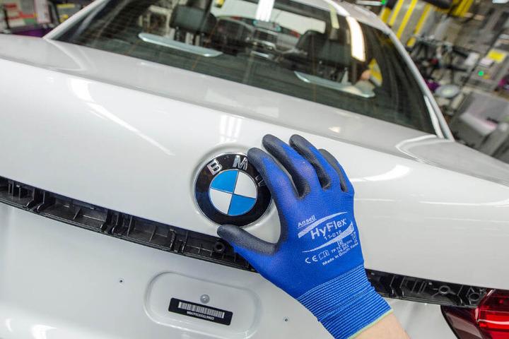 BMW muss weitere 232.000 Fahrzeuge zurückrufen. (Symbolbild)