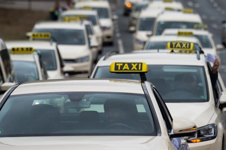 Um auch die letzten Zweifel aus dem Weg zu schaffen: SO sieht ein Taxi aus. (Symbolbild)