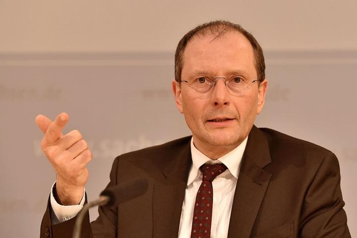 2017 oberster Innenpolitik-Koordinator: Sachsens Innenminister Markus Ulbig (52, CDU).