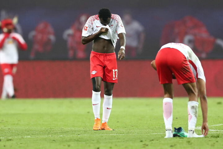 Bruma (l.) und Dayot Upamecano mussten die 1:4-Pleite gegen Leverkusen schnell aus den Köpfen bekommen.