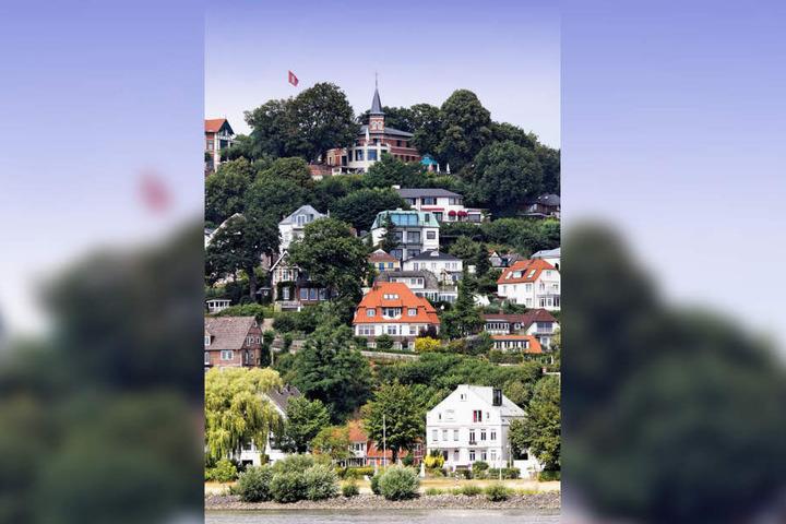 Villen, Stadthäuser und das Gourmet-Restaurant auf dem Süllberg in Blankenese.