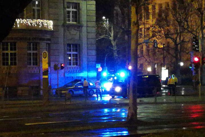 Die leichtverletzten Fußgänger kamen nach dem Unfall ins Krankenhaus.