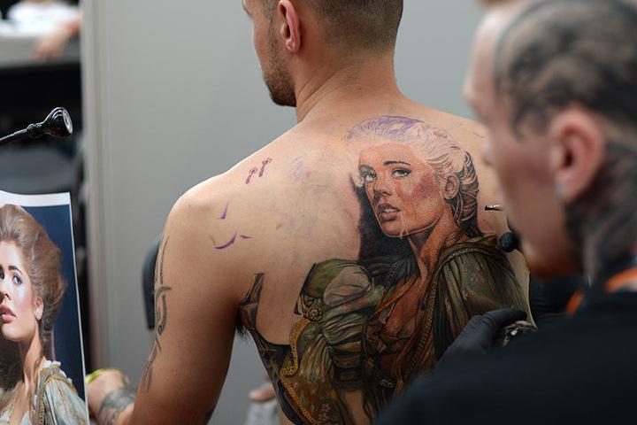 Tattoo-Künstler aus der ganzen Welt sind auf der Convention vertreten. (Symbolbild)
