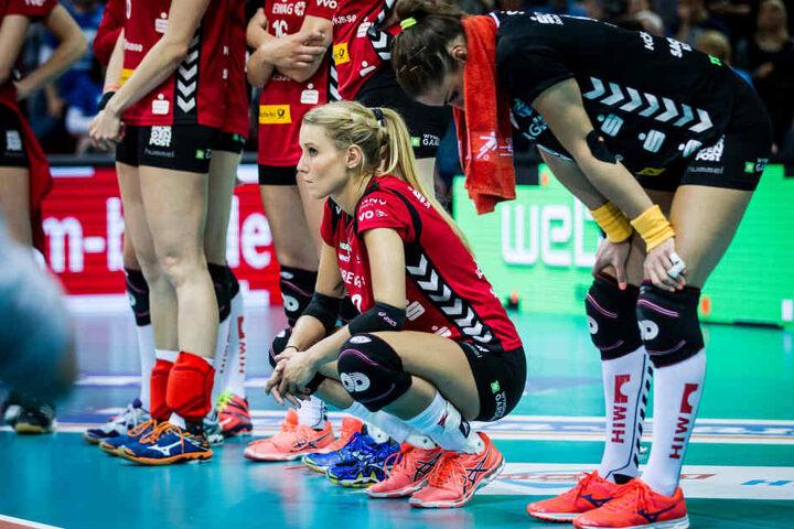 Der Frust bei Mareen Apitz und Myrthe Schoot (v.l.) nach dem Aus im Halbfinale saß tief.