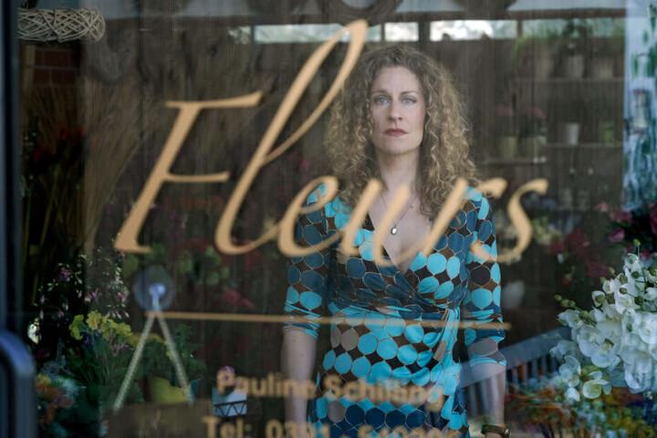 Auch Alessja Lause als Pauline Schilling liefert eine herausragende schauspielerische Leistung ab.