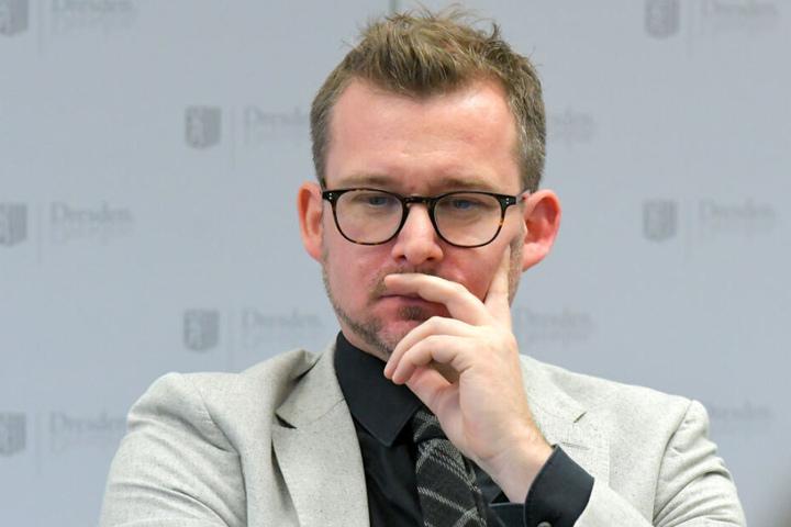 Baubürgermeister Raoul Schmidt-Lamontain (43, Grüne) will die Bebauung des Neustädter Markts zurückstellen.