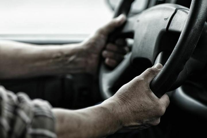 Der Transporterfahrer war auf der A72 in Richtung Leipzig unterwegs, als der Unfall passierte. (Symbolbild)