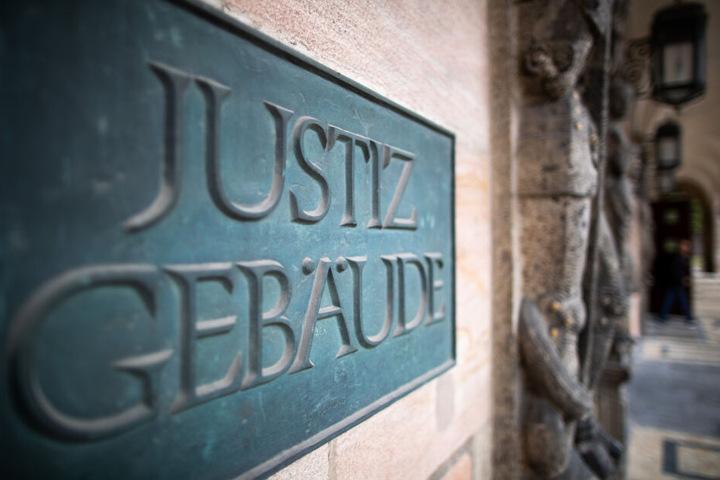 Das Gericht in Nürnberg what die Entscheidung bestätigt: die Frau muss die Rettungskosten übernehmen.