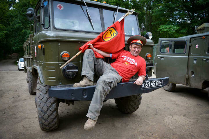 Uwe Meier hat den Hut auf beim Armee-Spaß-Verein in Königsbrück.