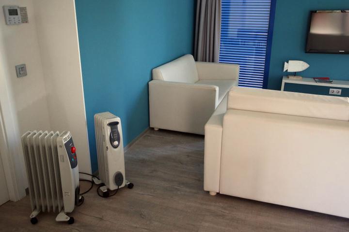 Die Klimaanlage defekt - mit Ölradiatoren wurde ausgeholfen. Jordi machte Druck und keine 24 Stunden später war der Schaden behoben.