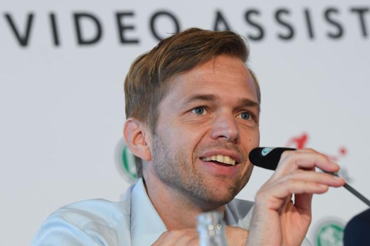 DFB-Videoschiedsrichter-Chef Jochen Drees räumte Kommunikationsfehler bei der Elfmeter-Entscheidung zu Gunsten des FC Bayern ein.
