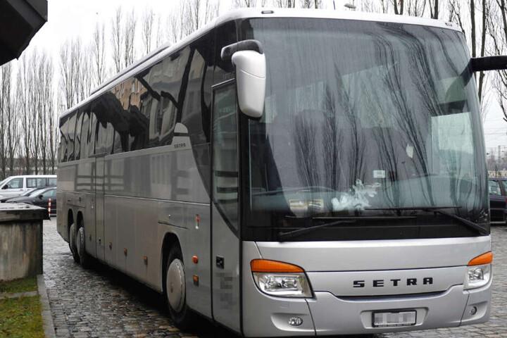 Der Reisebus eines serbischen Reiseunternehmens wurde komplett gepfändet. (Symbolbild)