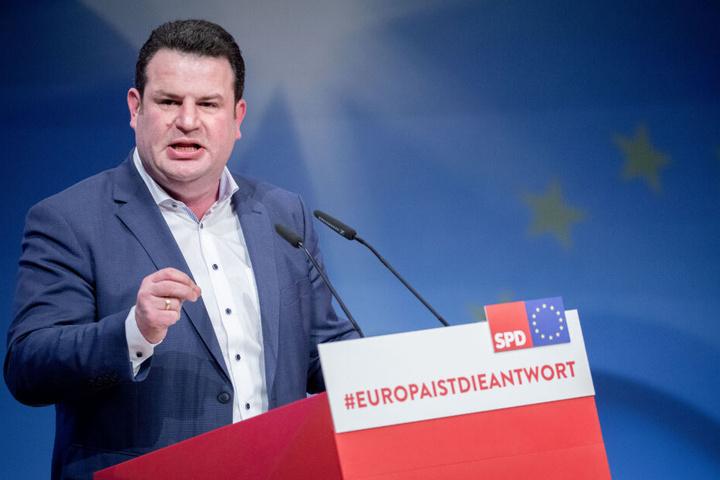 Hubertus Heil (SPD), Bundesminister für Arbeit und Soziales, spricht beim Europakonvent der SPD zur Europawahl im Mai.