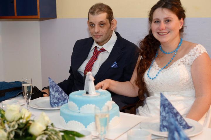 Mit der Hochzeit erfüllte sich das langjährige Paar aus Torgau (Landkreis Nordsachsen) einen Herzenswunsch.