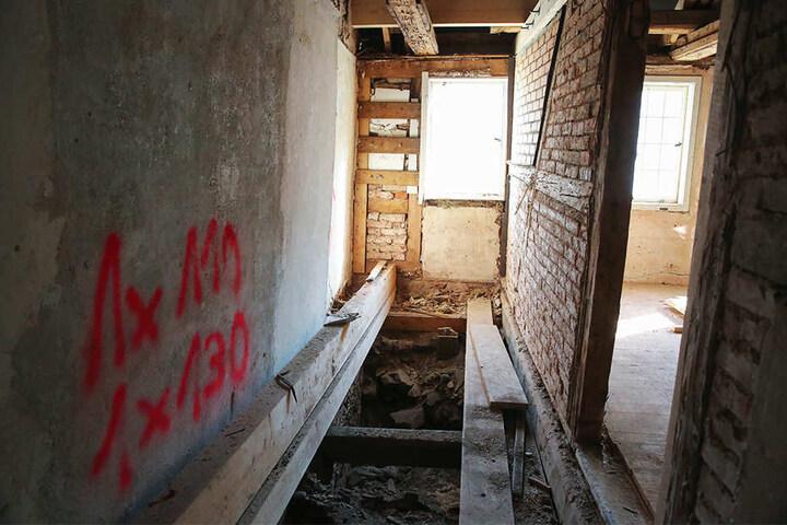Der Fundort. In dieser Seitenkammer lagen die Münzen unter dem Fußboden.