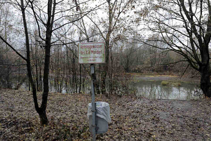 See an der Straße Auf dem Mirzengrehn, an dem die Kleiung und Tasche einer getöten 17-Jähringen gefunden wurden.