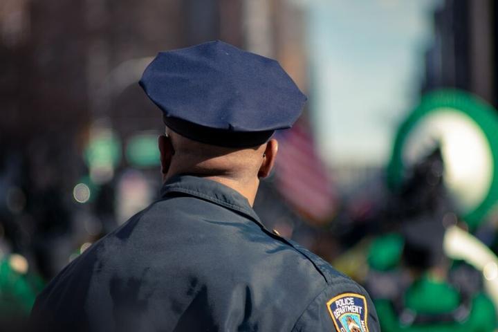 Noch macht die Polizei keine Angaben zu den Personen und den Hintergründen der Taten.