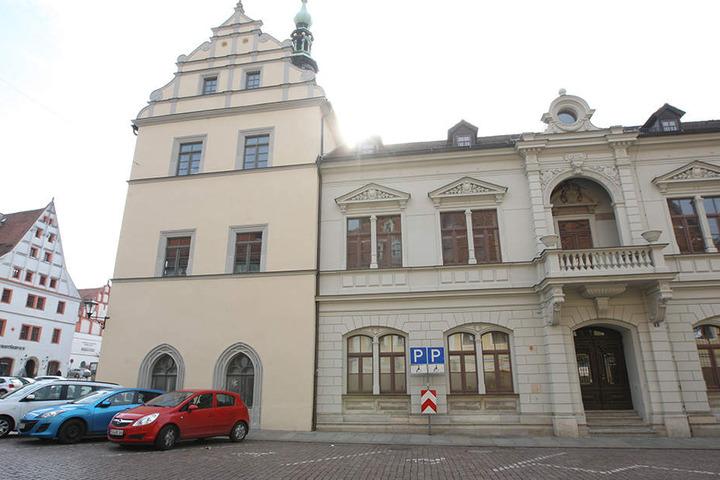 Hinter dem Rathaus parkte der Olympia-Sieger verbotenerweise seinen BMW.