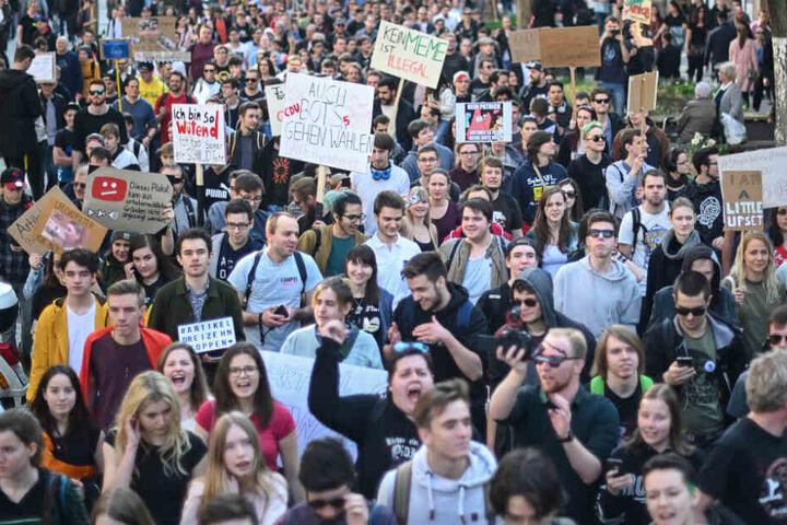 Auch in Stuttgart demonstrierten am vergangenen Wochenende rund 10.000 Menschen gegen das neue Gesetz.