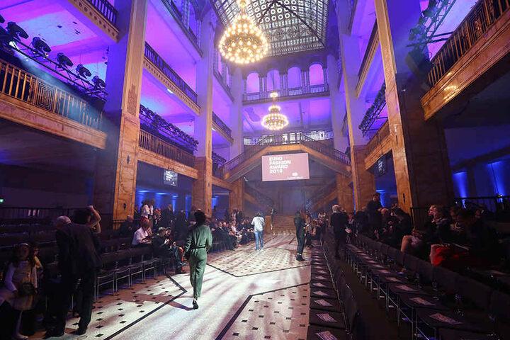 """Für den ersten """"Euro Fashion Award"""" von Stöcker im Jahr 2016 wurde sein Görlitzer Jugendstil-Kaufhaus zum Laufsteg umfunktioniert."""