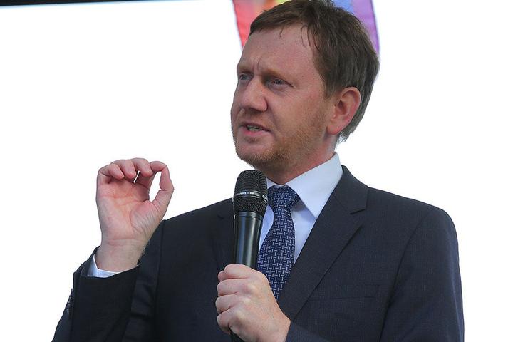 Ministerpräsident Michael Kretschmer (43,CDU) klingelte in Bautzen durch, um sich nach der Lage zu erkundigen.