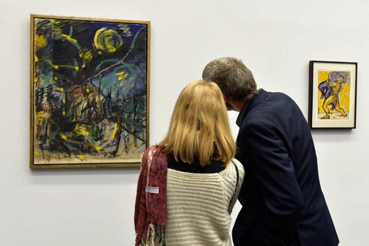 Mit Werken von berühmten Künstlern - hier die Ausstellung von Fritz Ascher - sollen noch mehr Touristen angelockt werden.