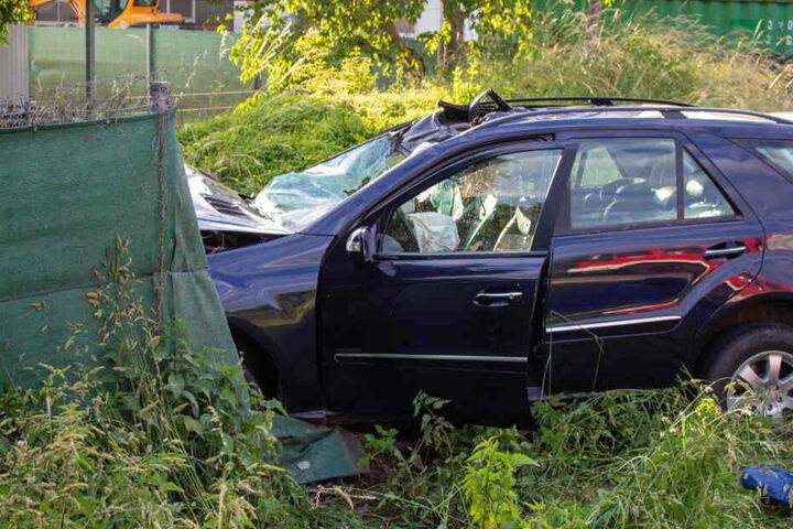 Die 60-jährige Mercedes-Fahrerin kam von der Fahrbahn ab und starb.