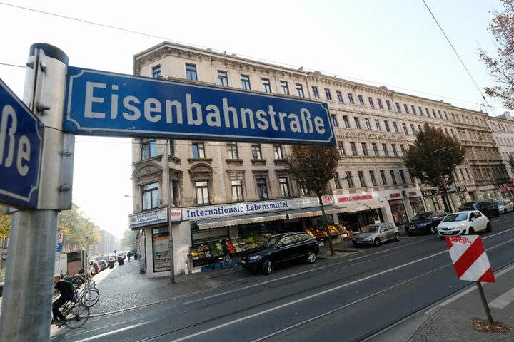 Auf der Eisenbahnstraße wurde im November 2018 eine Waffenverbotszone eingerichtet.