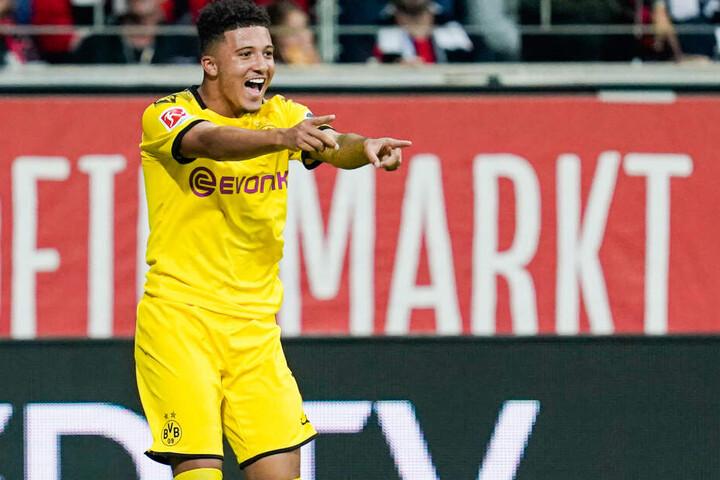 Seit 2017 schnürt Jadon Sancho seine Schuhe für Borussia Dortmund.