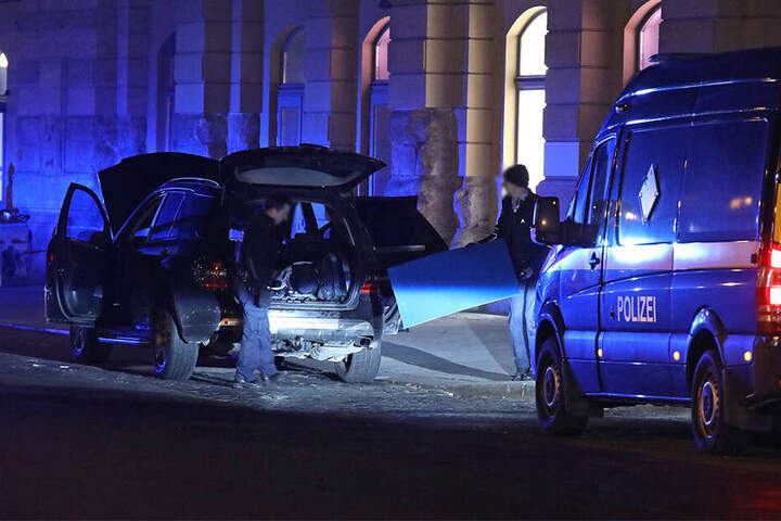 Am 18. Februar 2019 fand die Bundespolizei bei zwei Falschparkern (17,28) insgesamt 18 scharfe Handgranaten.