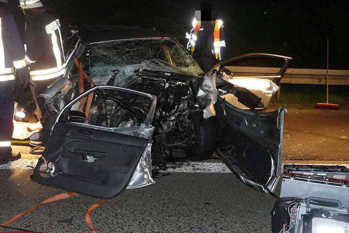 Der Unfallverursacher starb rund sechs Stunden nach dem Crash an seinen schweren inneren Verletzungen im Krankenhaus.