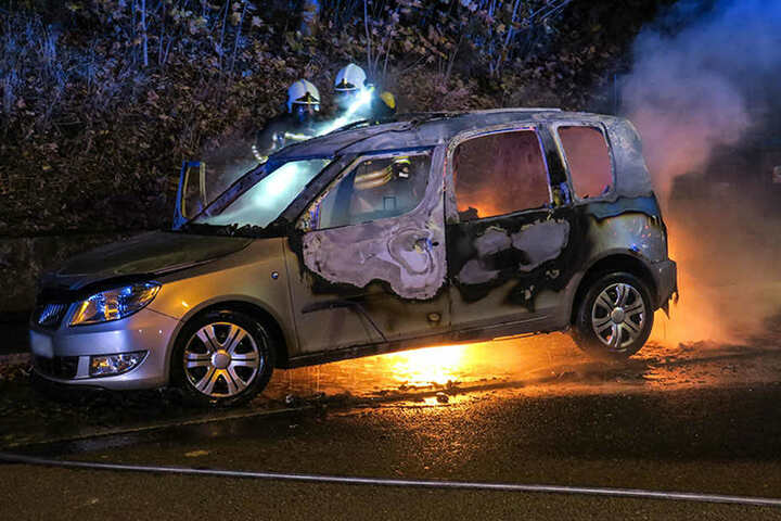 Die Polizei hat die Ermittlungen zur Brandursache aufgenommen.