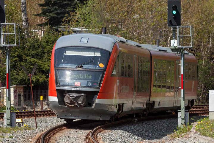 Drei Triebwagen der Erzgebirgsbahn fahren ab Sonntag rund um Kassel. Grund ist die Neuvergabe der Strecke von Chemnitz nach Aue.