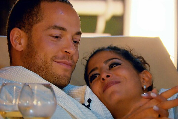 Eva erzählt Andrej beschämt von einer früheren Affäre mit einem verheirateten Mann.