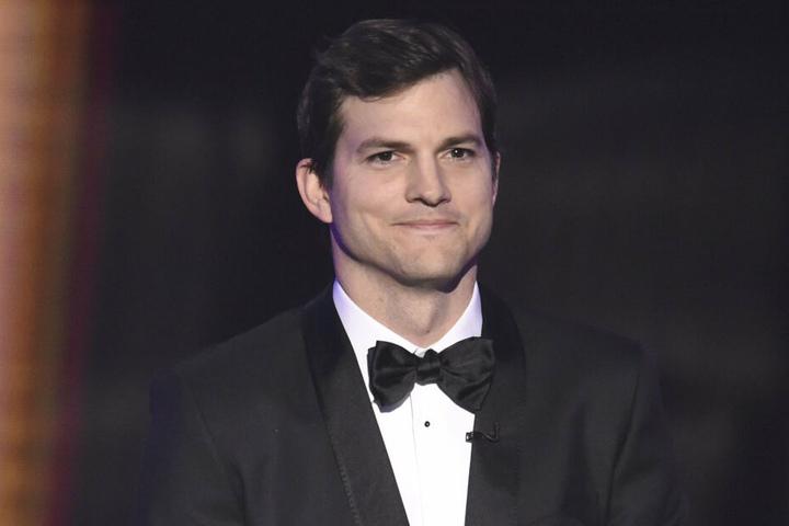 Ashton Kutcher im Anzug bei den Screen Actors Guild Awards.