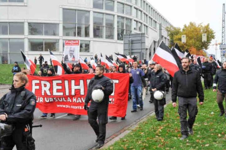 Schon im November demonstrierten die Rechten für die Freilassung der Volksverhetzerin.
