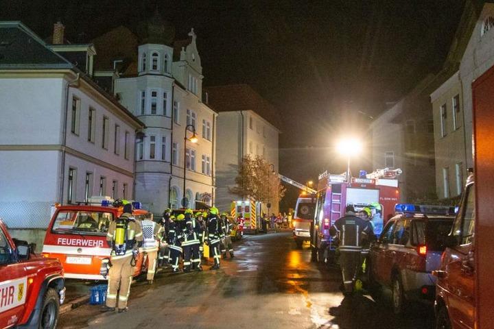 Ein Großaufgebot der Feuerwehr kam zum Einsatz.
