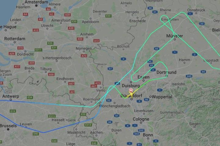 Die Maschine kreiste über Düsseldorf und kehrte letztlich um.