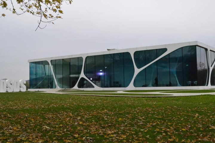 Der Glass Cube gehört zu der Firma Glaskoch in Bad Driburg-Herste.