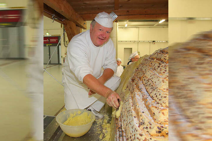 Bäckermeister Thomas Schmidt (56) war einer der fleißigen Stollen-Schichter.