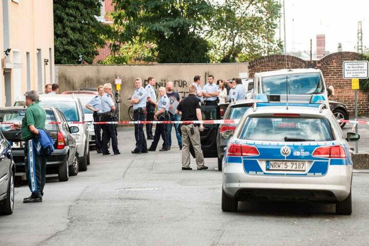 Die Polizei sperrte seiner Zeit den Tatort ab und suchte nach Spuren.